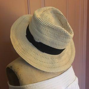 Banana Republic Brimmed Hat
