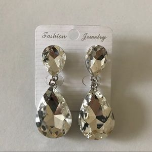 Jewelry - Sparkly Dangly Earrings