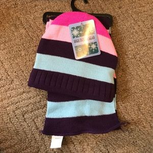 Scarf & Hat set for kids. NWT