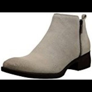 Kenneth Cole New York Levon (Cappucino) Zip Boots