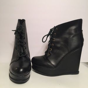 Steve Madden Platform Leather Booties