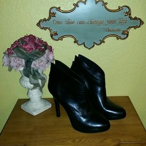 JESSICA SIMPSON STILETTO BLACK LEATHER BOOTIE 9.5