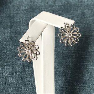 Kate Spade Oops a daisy earrings