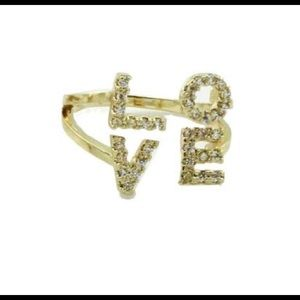 "NEW Gold Plated Scripted ""Love"" Rings🎁"