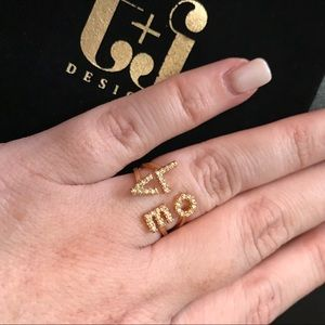 """NEW Gold Plated Scripted """"Love"""" Rings🎁"""