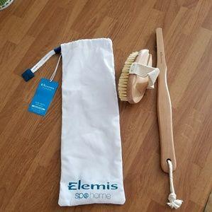 Elemis brush
