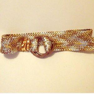 Color: Tritone-Silver, Gold, & Copper Belt