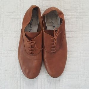 tan leather Repetto lace up shoes