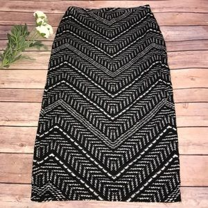 Black & white Aztec print midi skirt