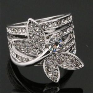 Jewelry - Beautiful Dragonfly Ring