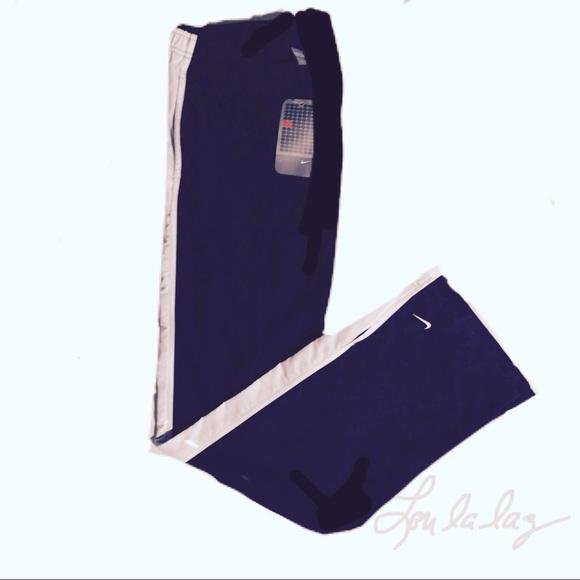 10ee18ebec7e Nike women s athletic pants sz Lg (12 14)