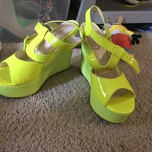 Neon yellow wedges
