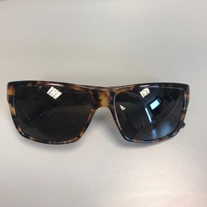 Accessories - Gucci tortoiseshell unisex sunglasses