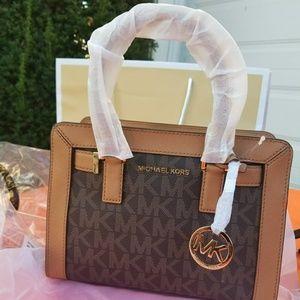 Michael Kors DILLON bag.