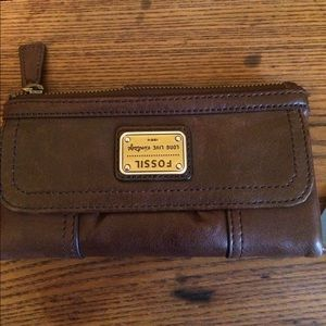 👜. Beautiful Emory clutch Fossil leather wallet