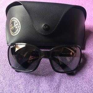 Black Polarized Ray-Ban Sunglasses