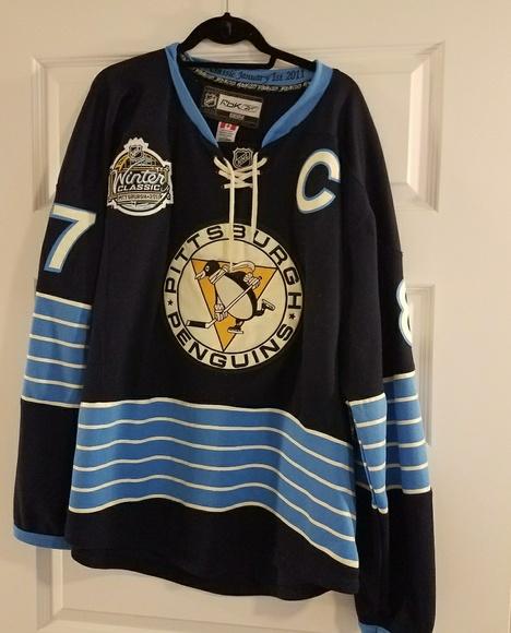 d1161179c Pittsburgh penguins hockey jersey. M 59ee127f98182934c60d641c