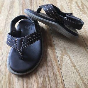 GAP toddler leather flip flops