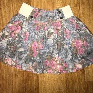 Short mini skirt