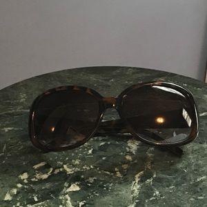 😎 Fun Tortoise Shell Sunglasses!