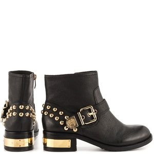 Vince Camuto Windetta Boot