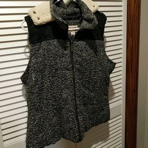 Mossimo hooded vest