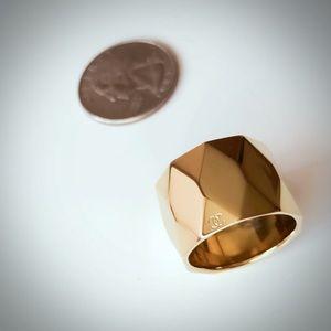 Chanel unique ring