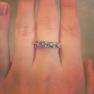 Size 9. Cristal ring