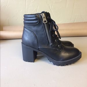 Steve Madden Heeled Lace Up Boots