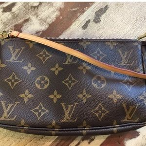 Louis Vuitton's Pochette NM Monogram