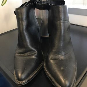 Steve Madden MADYY cut out Bootie