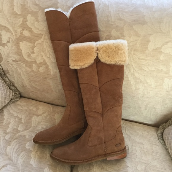 145bc686fe7 Ugg SAMANTHA TALL SUEDE BOOTS SIZE 9 LIKE NEW