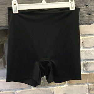 Spanx Black Seamless Bike Shorts. Size Medium