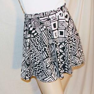 Forever 21, Size large geometrical skirt
