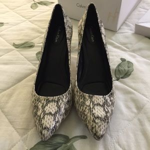 NEW WITH TAGS AND BOX! Calvin Klein Pumps