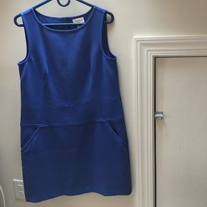 Beautiful blue shift dress with pockets