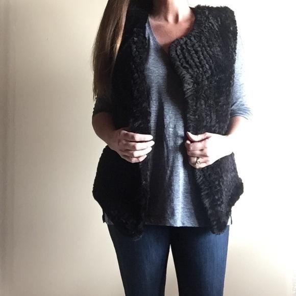 8833db0c5f09 Nanette Lepore black faux fur vest • nwot. M 59ee3fa74e8d1701be0e33f6