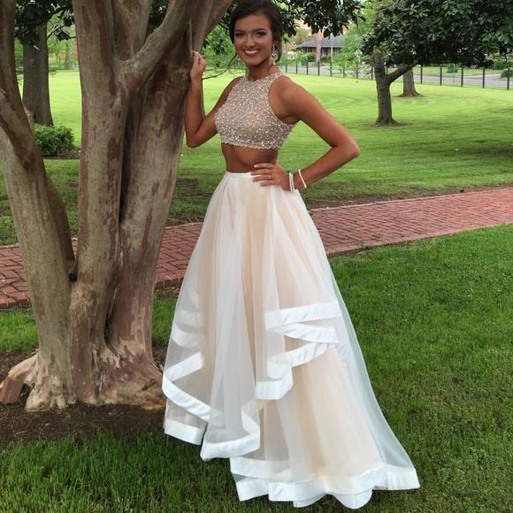 8376fc8822bec4 David s Bridal Dresses   Skirts - David s Bridal 2 piece prom dress