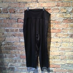 Lululemon black wide leg crop pant sz 8 54789