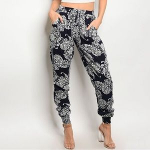 Jogger Pants Black White Floral Woman's Medium S