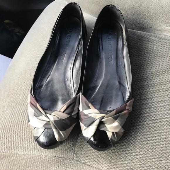 0eae7220b9f Burberry Shoes - Women Burberry flats ⭐️FINAL PRICE⭐️