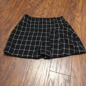 BCBGeneration skirt with plates size 6 NWT