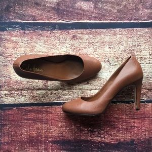 ⚜️ Beautiful Cole Haan Leather Pumps ⚜️