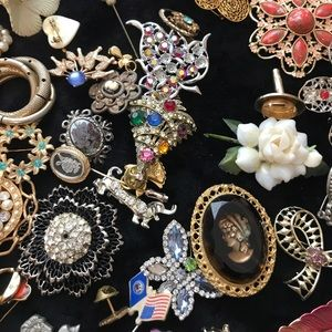 cda293fe0 Jewelry | Large Lot Huge Bundle Vintage Pins Brooch Brooches | Poshmark