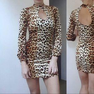 Nwt Kate moss UO keyhole leopard velvet dress xs