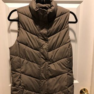 Gap tan  puffer vest-down