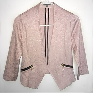 Blazer with gold detailing 💛