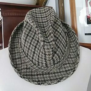 Other - Vintage Churchill plaid Hat