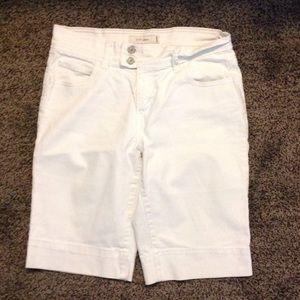 Levi's 515 White Denim Bermuda Shorts Size 4