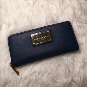 🆕Marc Jacobs Navy Blue Leather Accordion Wallet
